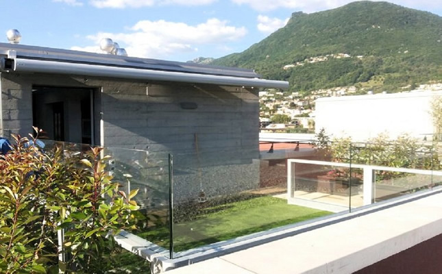 Paravento frangivento saliscendi in vetro bellavista system - Paravento per esterno ...
