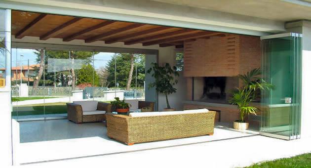 Le vetrate panoramiche pieghevoli tuttovetro giemme system la chiusura ideale per verande la - Verande mobili per terrazzi ...