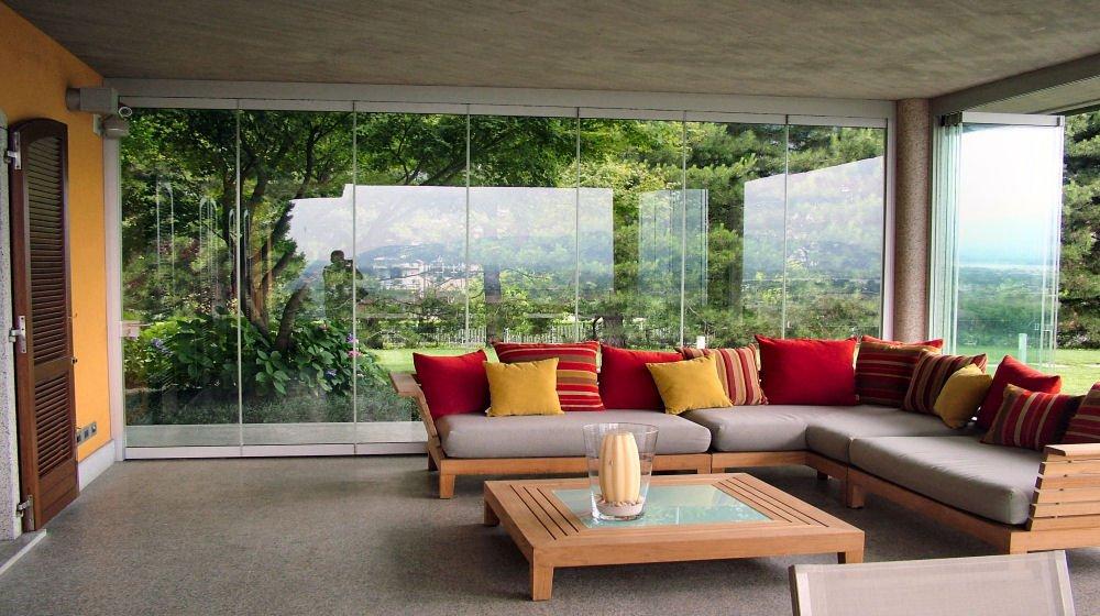 Chiusure di verande terrazzi balconi gazebo giardini d for Idee di veranda laterale